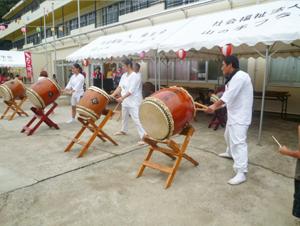 年間行事8月山の手フラワーヒル祭り太鼓の様子